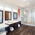 Bungalow-interior-bath.jpg