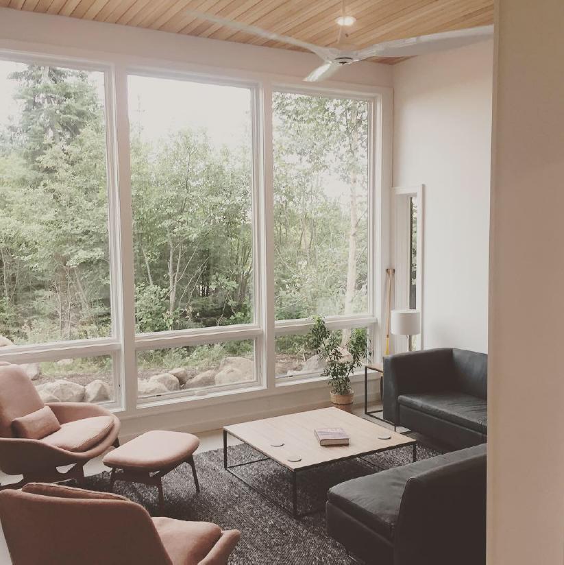 Creekside-interior-view-livingroom.JPG