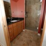 DSC_008-bathroom.JPG