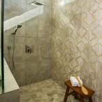 JamesAndrewsCH-Trammel-HR-bathroom-010.jpg