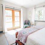 Knight-Residence-Bedroom.jpg