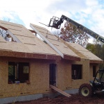 LEED-SIP-House-Limerick-PA-87-main-house-roof-craning-in-panel.jpg