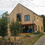 Modern-SIP-House-Seattle-WA-Insulspan-Seattle_Residence_front-side-ext.jpg