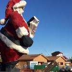 Santa-Claus-SIP-House-North-Pole-AK-Statue-and-construction.jpg